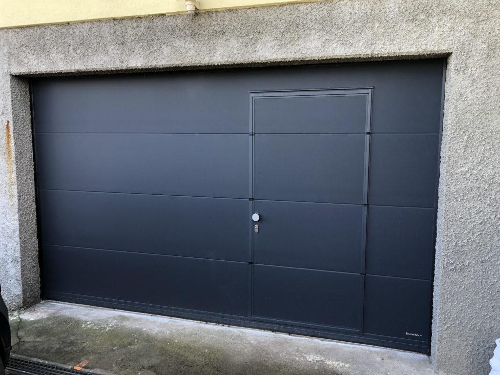 porte-de-garage-portillon